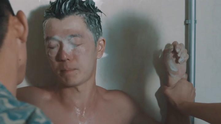 臥魚:王櫟鑫版余罪依舊是學校的扛把子